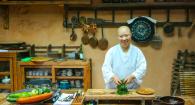 Arriva per la prima volta a Roma la monaca buddista maestra della cucina coreana