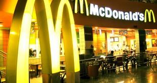 Trova una garza intrisa di sangue nell'hamburger McDonald's