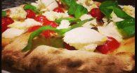 Va a mangiare la pizza a Roma e accade l'inaspettato