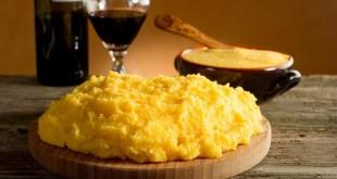Polenta fatta in casa e vino illimitato: menù per 2 di 25 euro ai Castelli